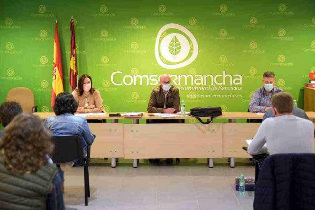 El Pleno de Comsermancha dio el visto bueno a la partida para mejorar el sistema de control y acceso a la planta de RSU 1