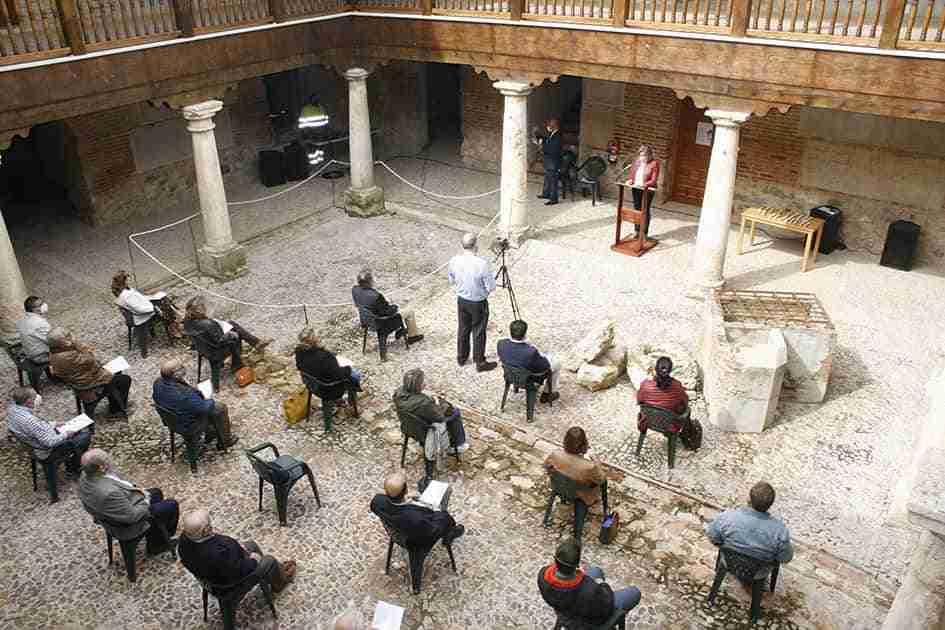 I Lectura del Quijote en el Palacio de Clavería, acto central de la celebración del Día del Libro en Aldea del Rey, que también conmemoró a San Jorge 1