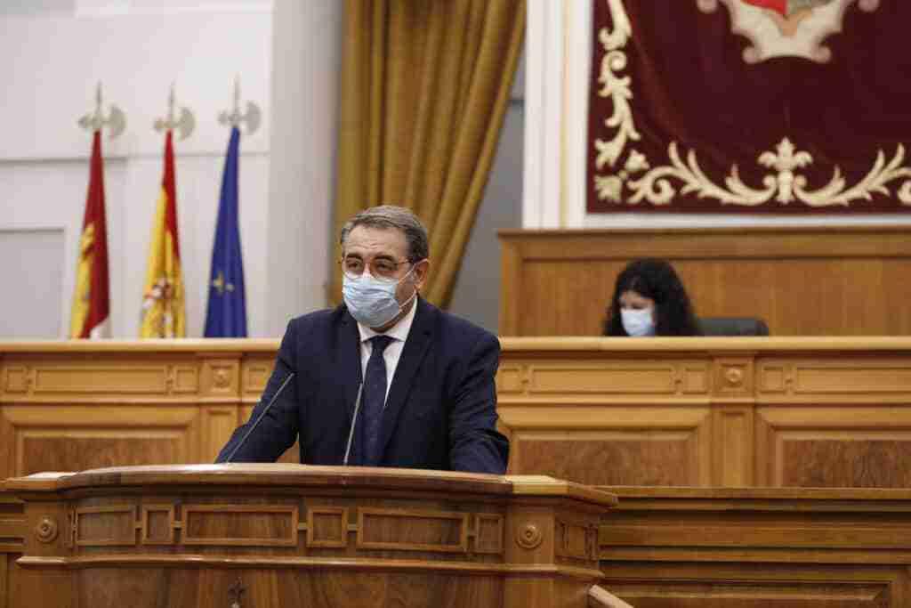 Las Cortes regionales reconocen el esfuerzo de profesionales, población y Gobierno regional por la pandemia 4