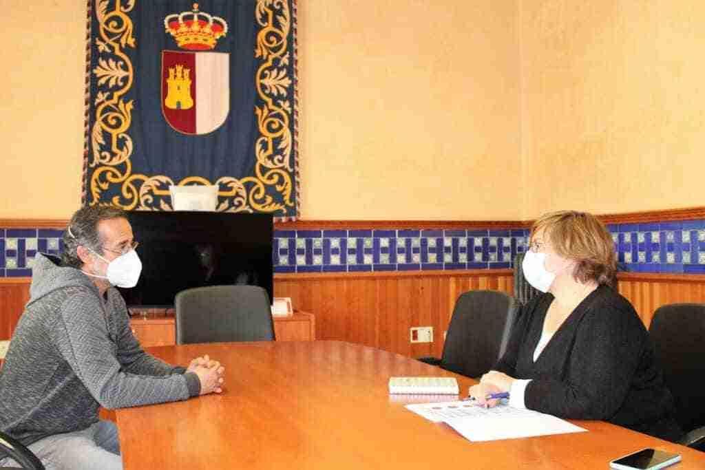 El Gobierno regional estudiará su colaboración con el Ayuntamiento para mejorar las instalaciones deportivas en Poblete 1