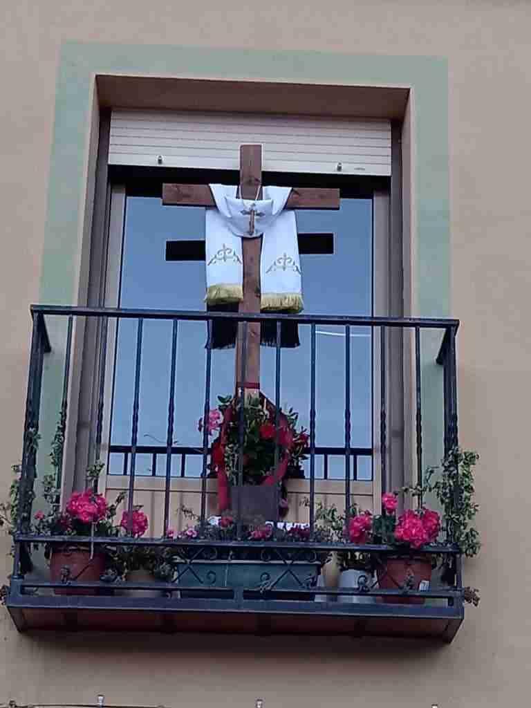 Resurgieron fuertemente las Cruces de Mayo en Carrizosa con un centenar expuestas en tres días 8
