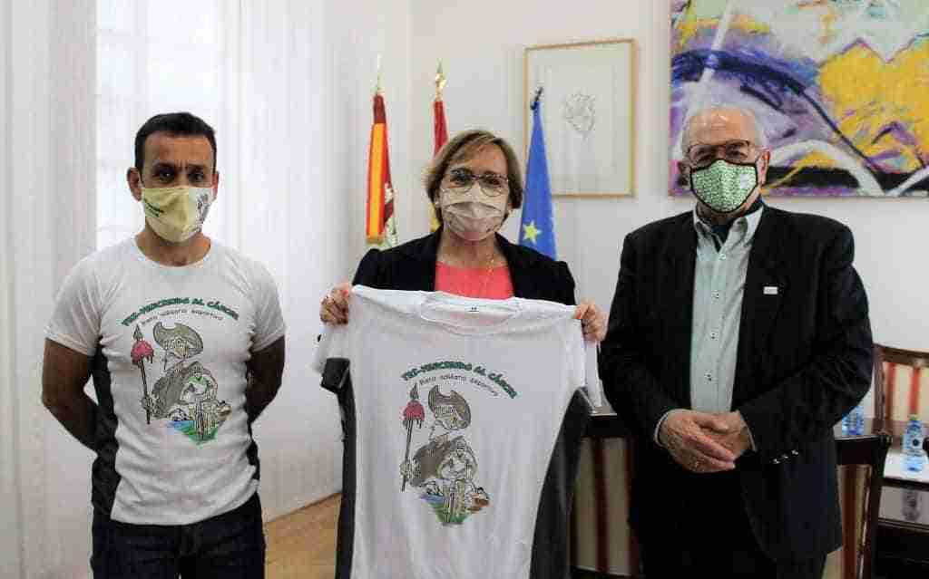 Carmen Olmedo animó a Emeterio Flox a cumplir su reto deportivo y solidario, y le transmite todo el apoyo del Gobierno de Castilla-La Mancha 3