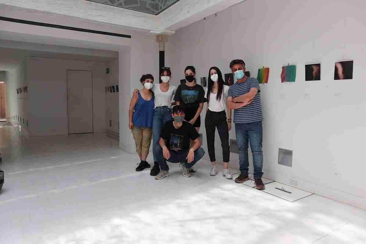 """Exposición colectiva de artistas emergentes procedentes de la Facultat de Belles Arts de València de la UPV bajo el título """"Proyectar[se]"""" 3"""