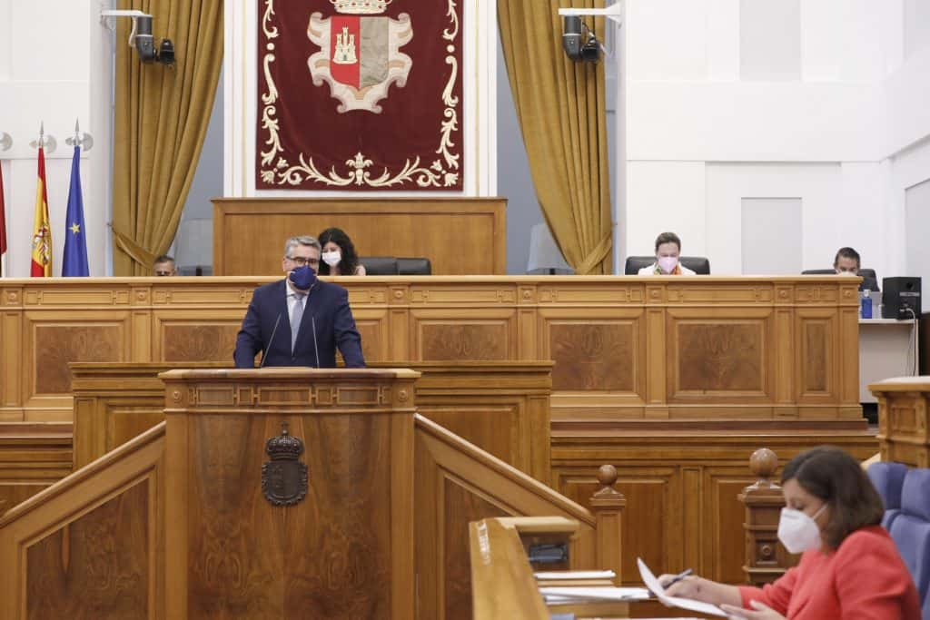 Parlamento autonómico anima a los gobiernos central y autonómico a apoyar a pymes y autónomos por la crisis de COVID-19 1