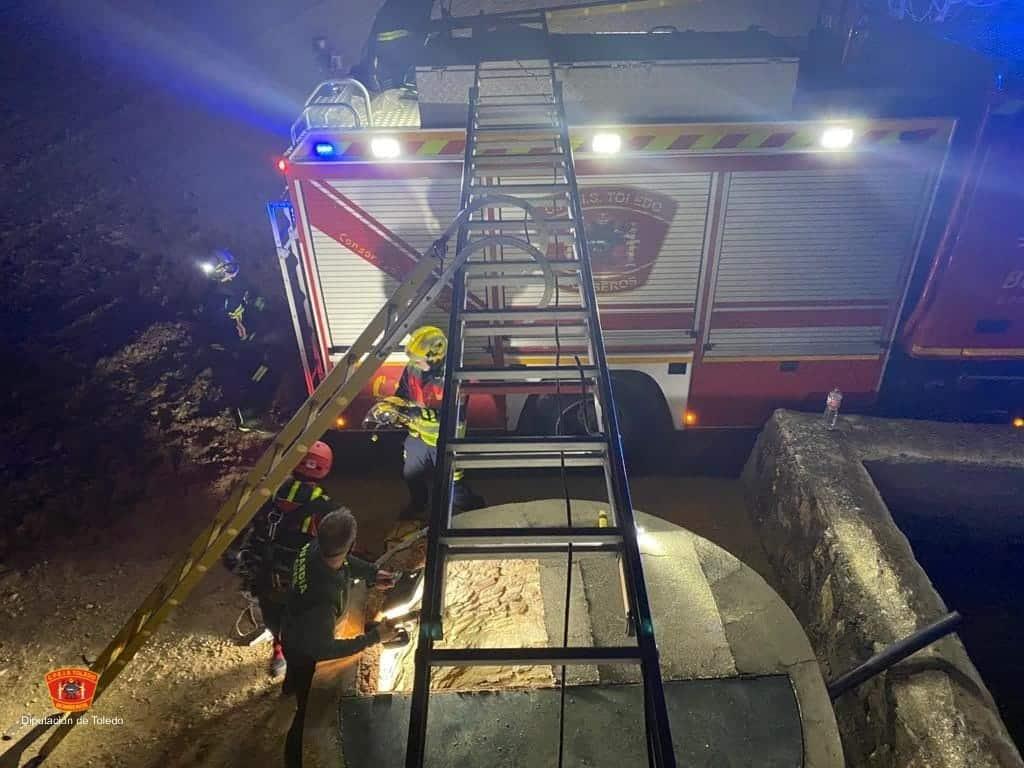 Rescatados dos jóvenes del interior de un pozo de 7 metros en Nambroca 7