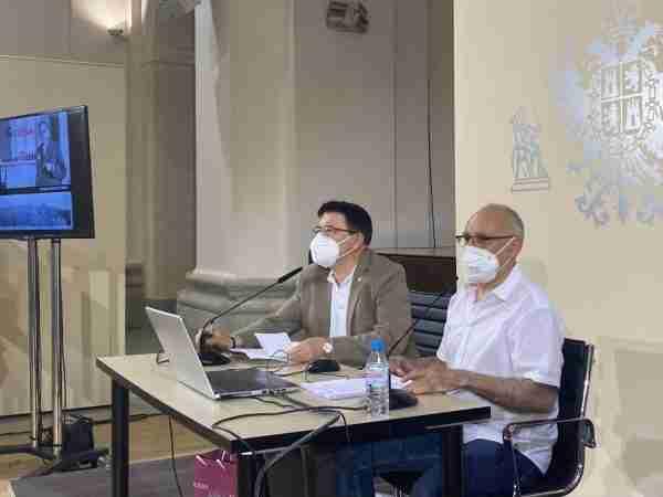 Éxito de acogida en la conferencia del periodista Sánchez Lubián sobre Galdós, organizada por el Ayuntamiento