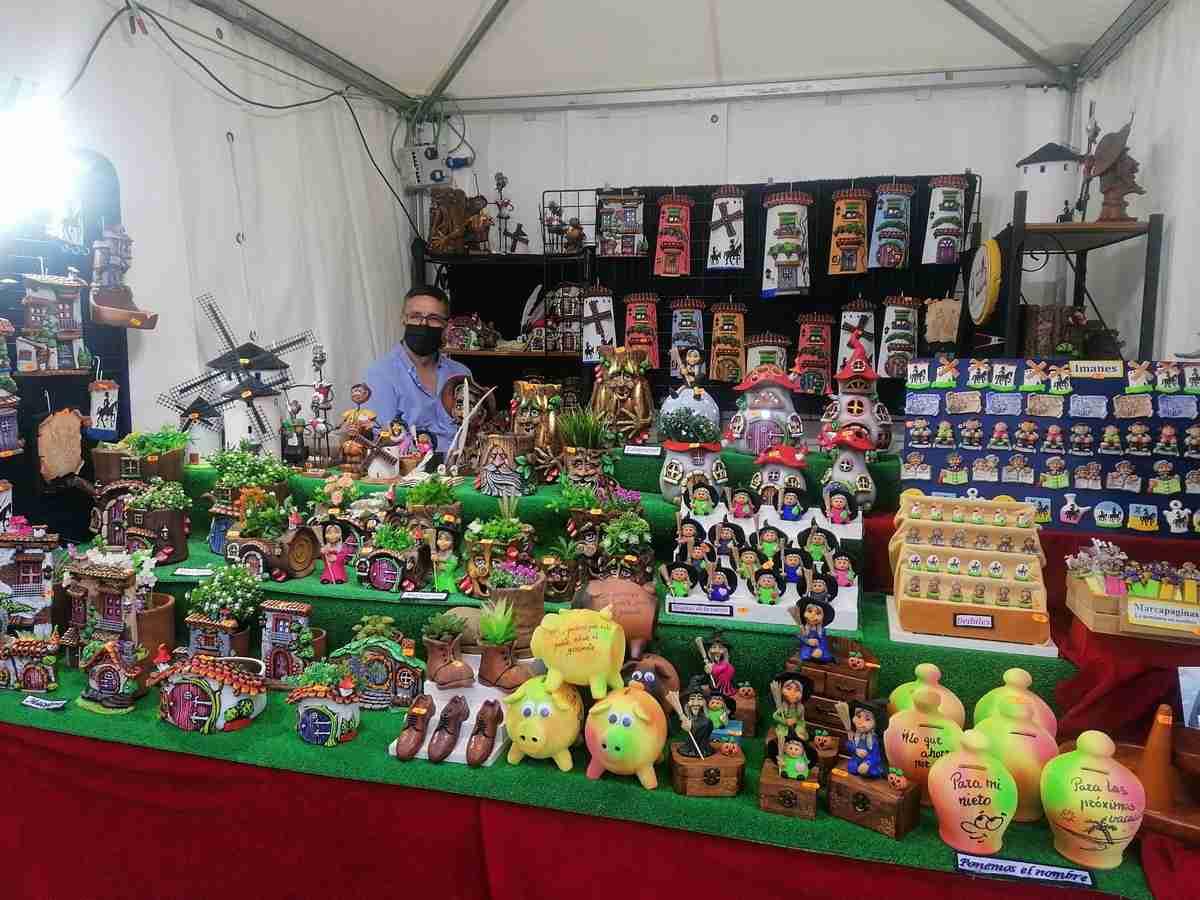 """Feria estival de artesanía"""""""