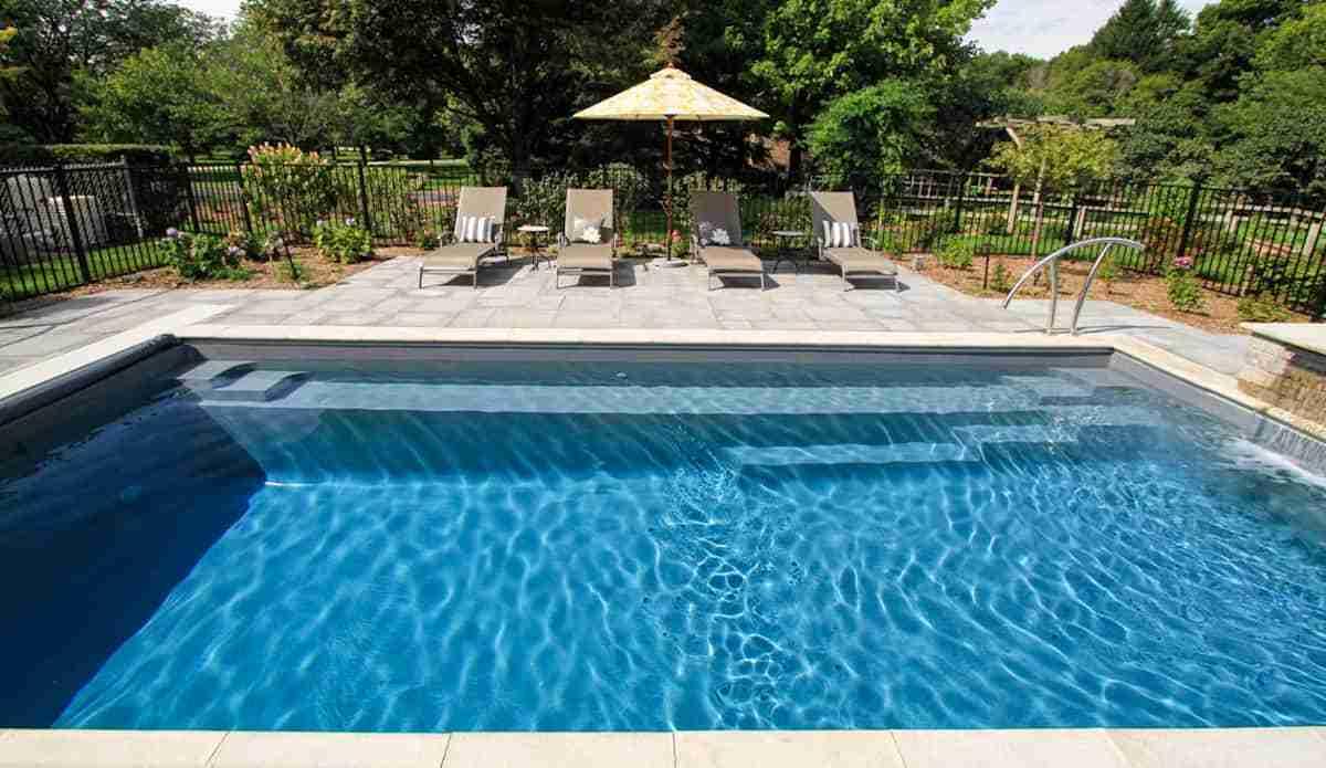 Cómo elegir el mejor color para la piscina 20