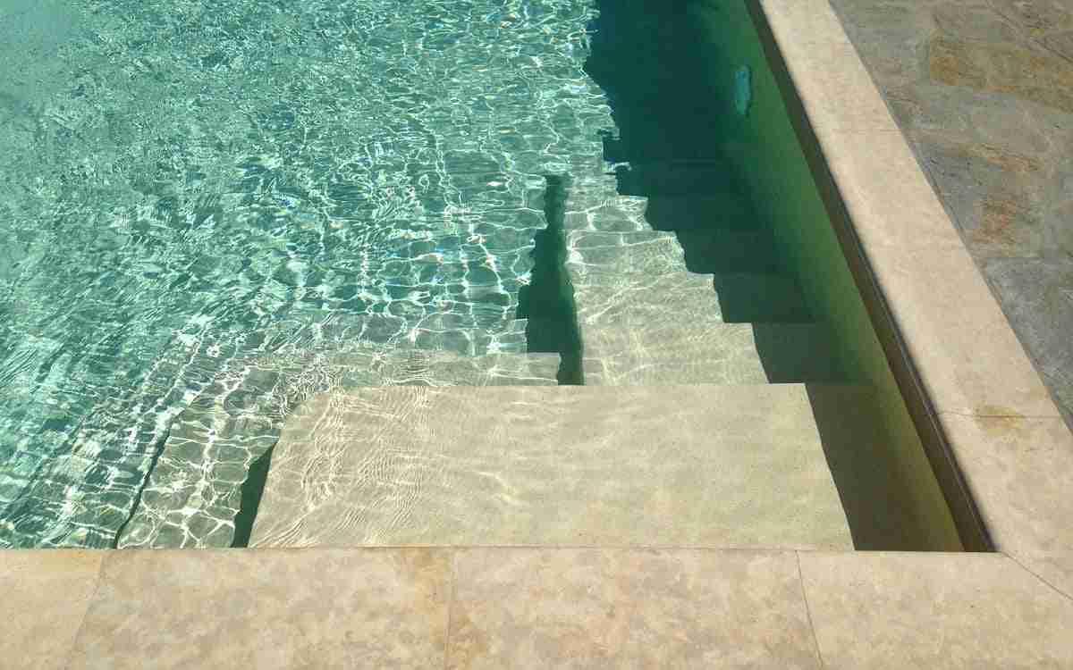 Cómo elegir el mejor color para la piscina 16