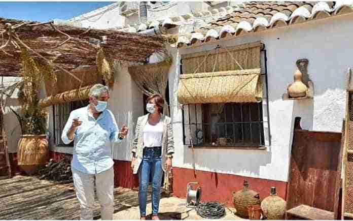 alcaldesa de puertollano visita rodaje de serie hit
