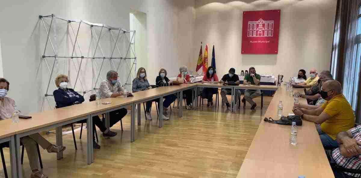 Representantes vecinales de Puertollano se reunieron con miembros del equipo de gobierno 1