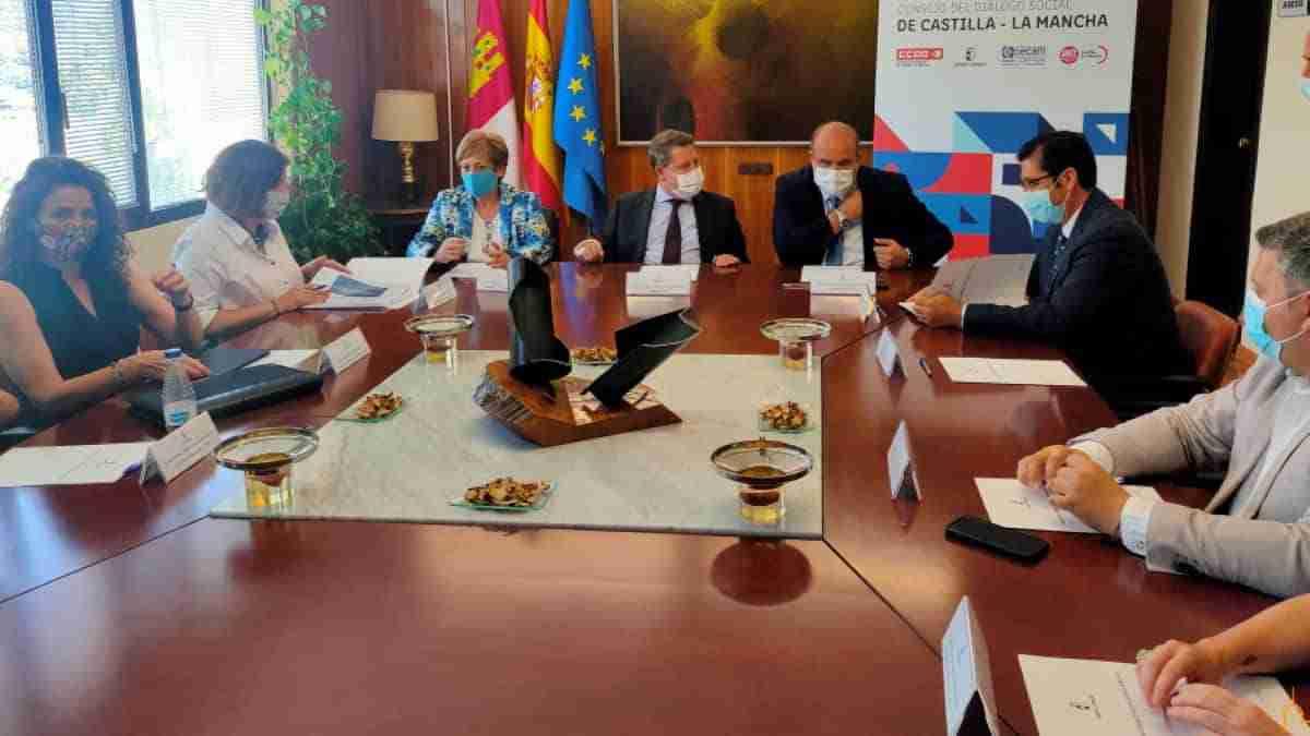 En marcha el Consejo de Diálogo Social de Castilla-La Mancha reunido hoy en Almadén 1