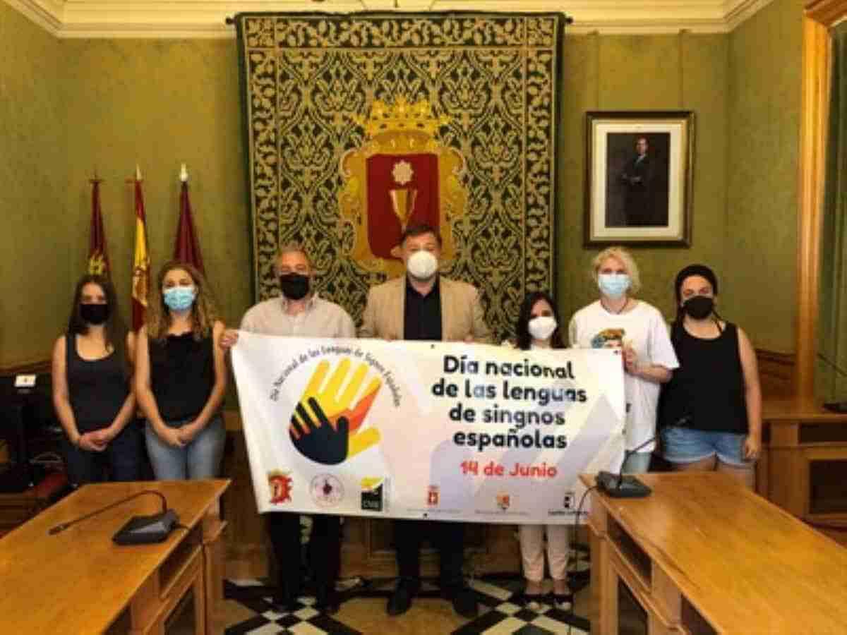 dia nacional de las lenguas de signos espanolas