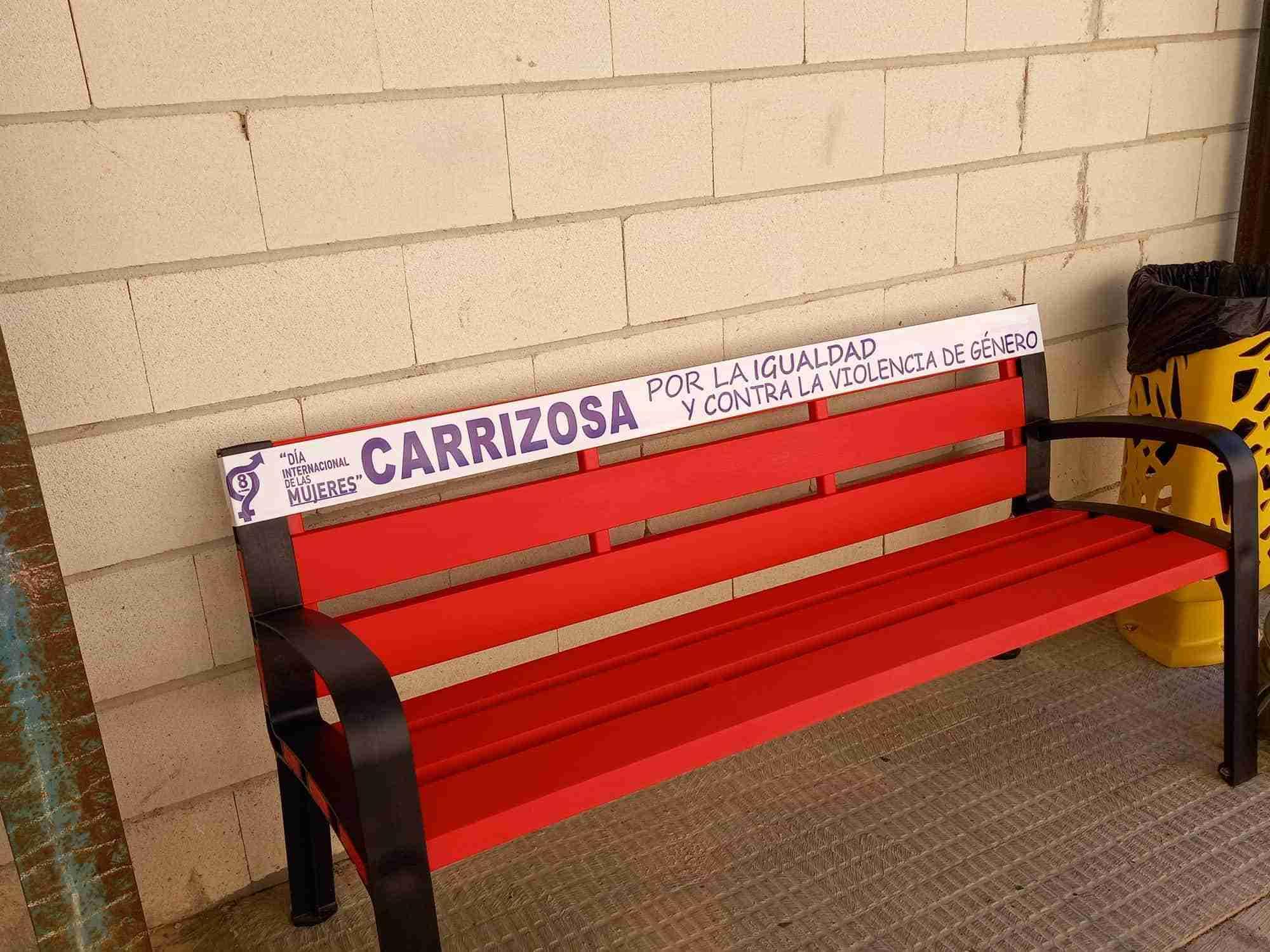 Graffiti , bancos y papeleras por la igualdad en Carrizosa 3