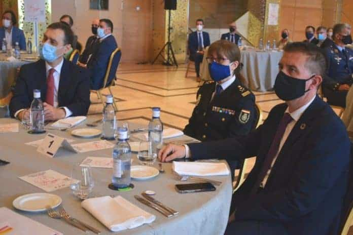 presidente diputacion albacete en premios certamen literario relato corto policia nacional