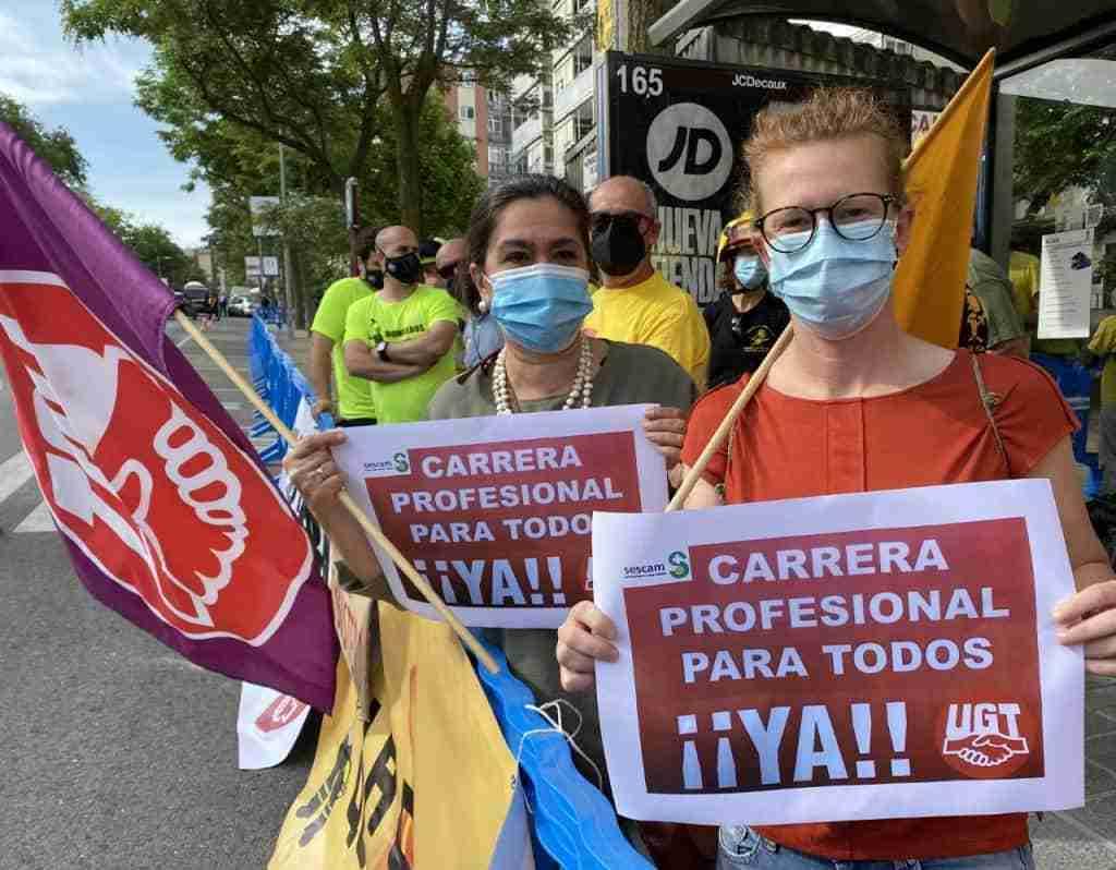 UGT hizo visibles las reivindicaciones de los Profesionales de la Sanidad en el Día de Castilla-La Mancha 9