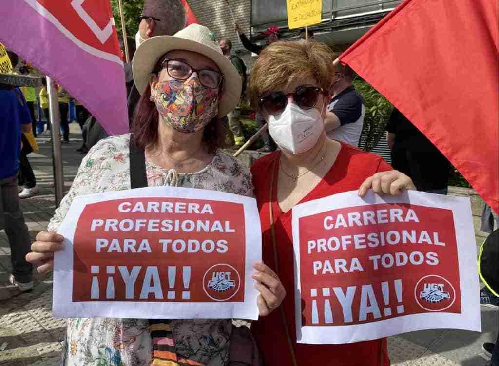 UGT hizo visibles las reivindicaciones de los Profesionales de la Sanidad en el Día de Castilla-La Mancha 1