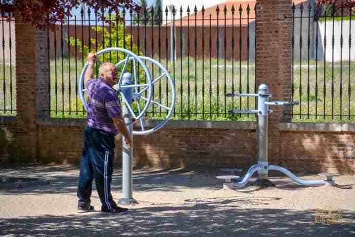 risoterapia y senderismo urbano para mayores en tomelloso