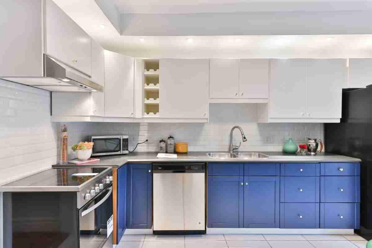 cocinas color intenso azul atlantico