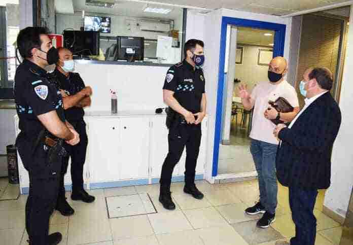 adolfo muniz hace recorrido instalaciones policia local