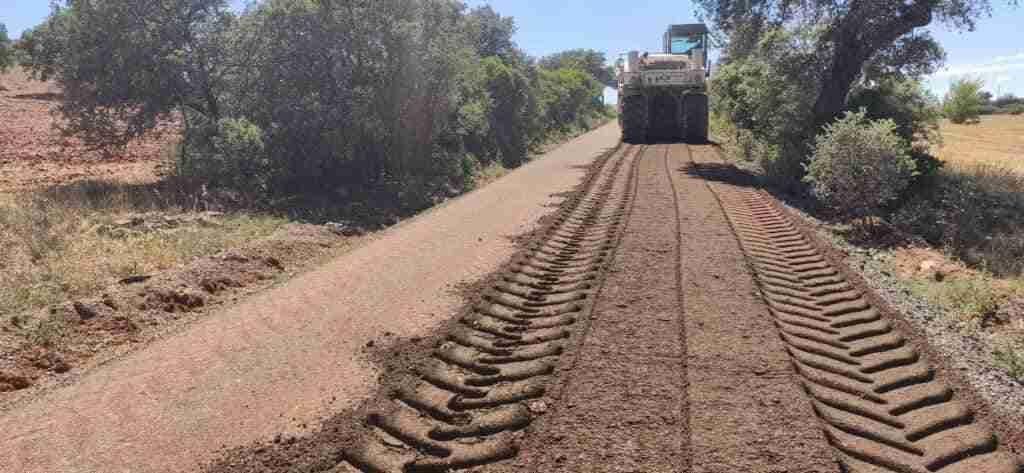 El Ayuntamiento de Santa Cruz de Mudela arregla cinco caminos rurales con la Diputación Provincial 1