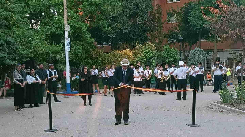 Herencia realizó una visita teatralizada de la inauguración de su Parque Municipal 17