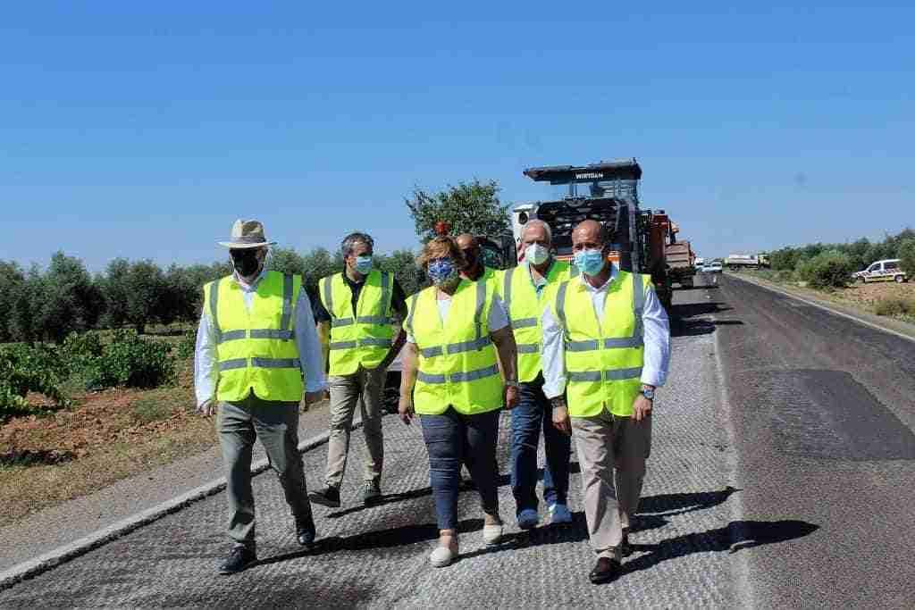 El Gobierno regional y una inversión superior a 800.000 euros para mejorar la CM-4120 entre Villarrubia de los Ojos y Puerto Lápice 5