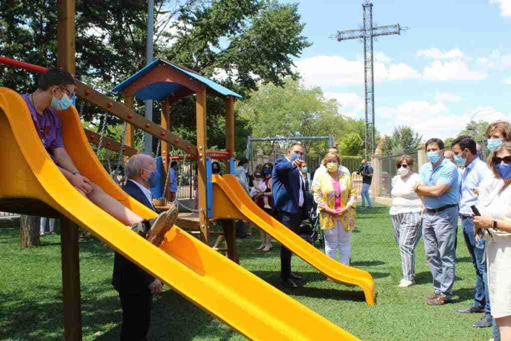 El Gobierno regional subvenciona un parque infantil adaptado en Bolaños de Calatrava 4