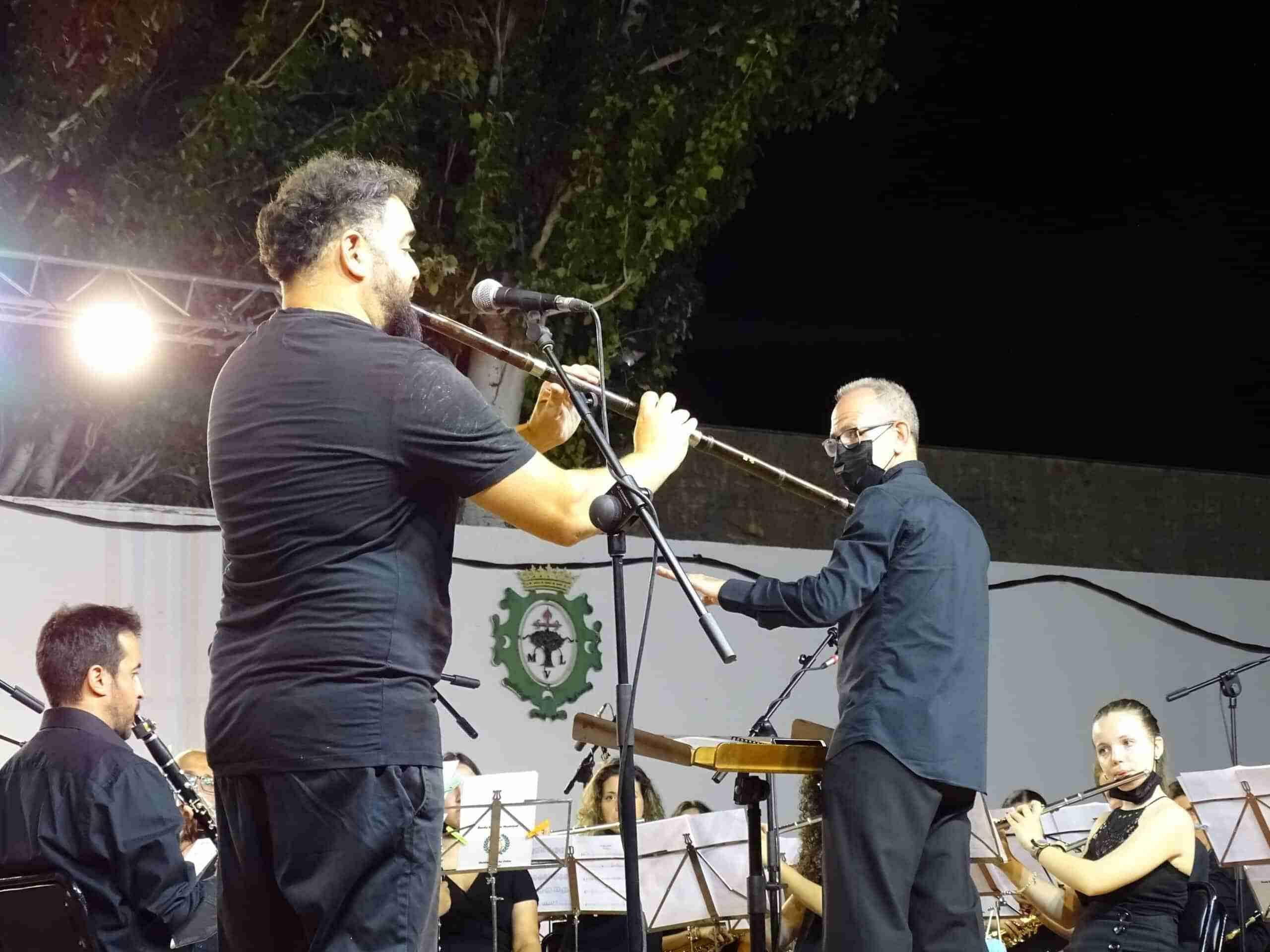 Magistral concierto de la Banda Sinfónica Municipal y el multiinstrumentista Abraham Cupeiro para cerrar el Festival de Musica 13