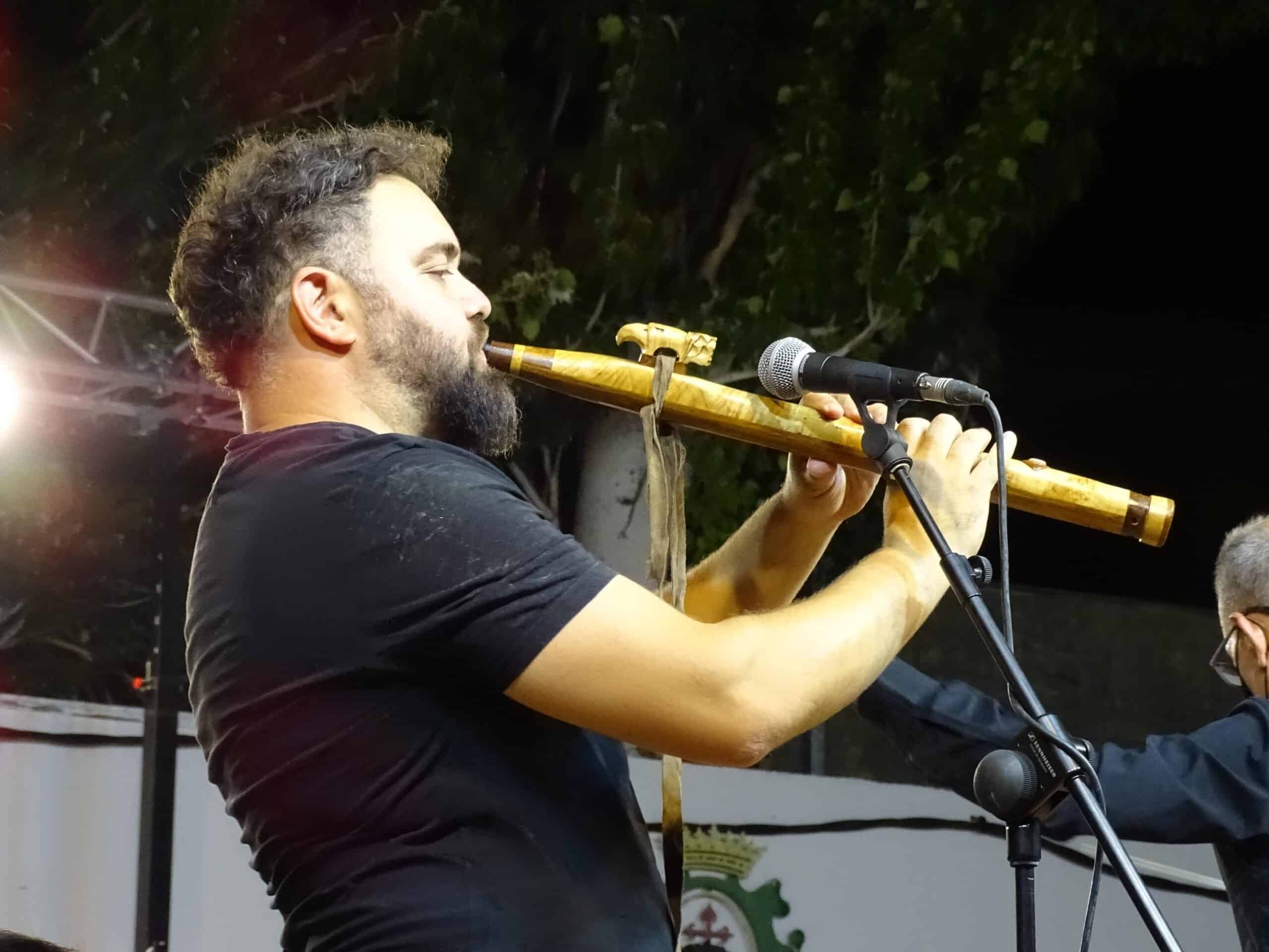 Magistral concierto de la Banda Sinfónica Municipal y el multiinstrumentista Abraham Cupeiro para cerrar el Festival de Musica 15