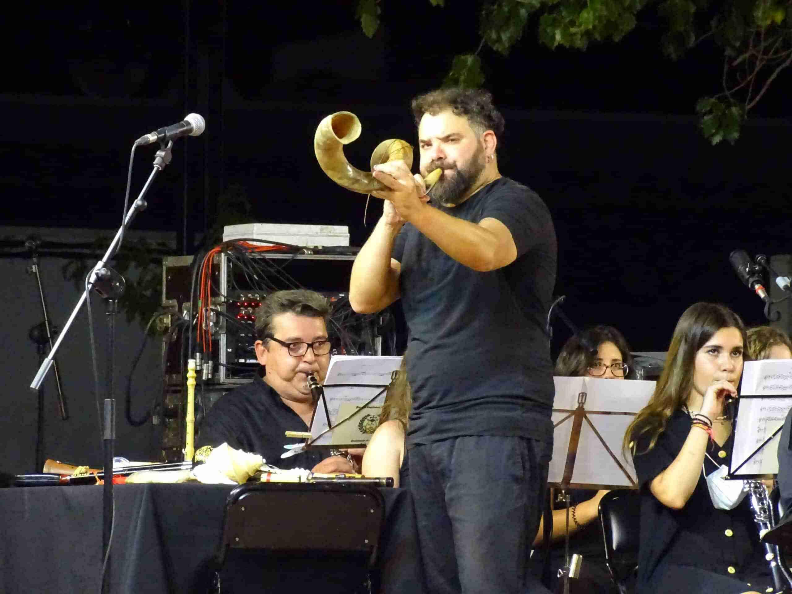Magistral concierto de la Banda Sinfónica Municipal y el multiinstrumentista Abraham Cupeiro para cerrar el Festival de Musica 18