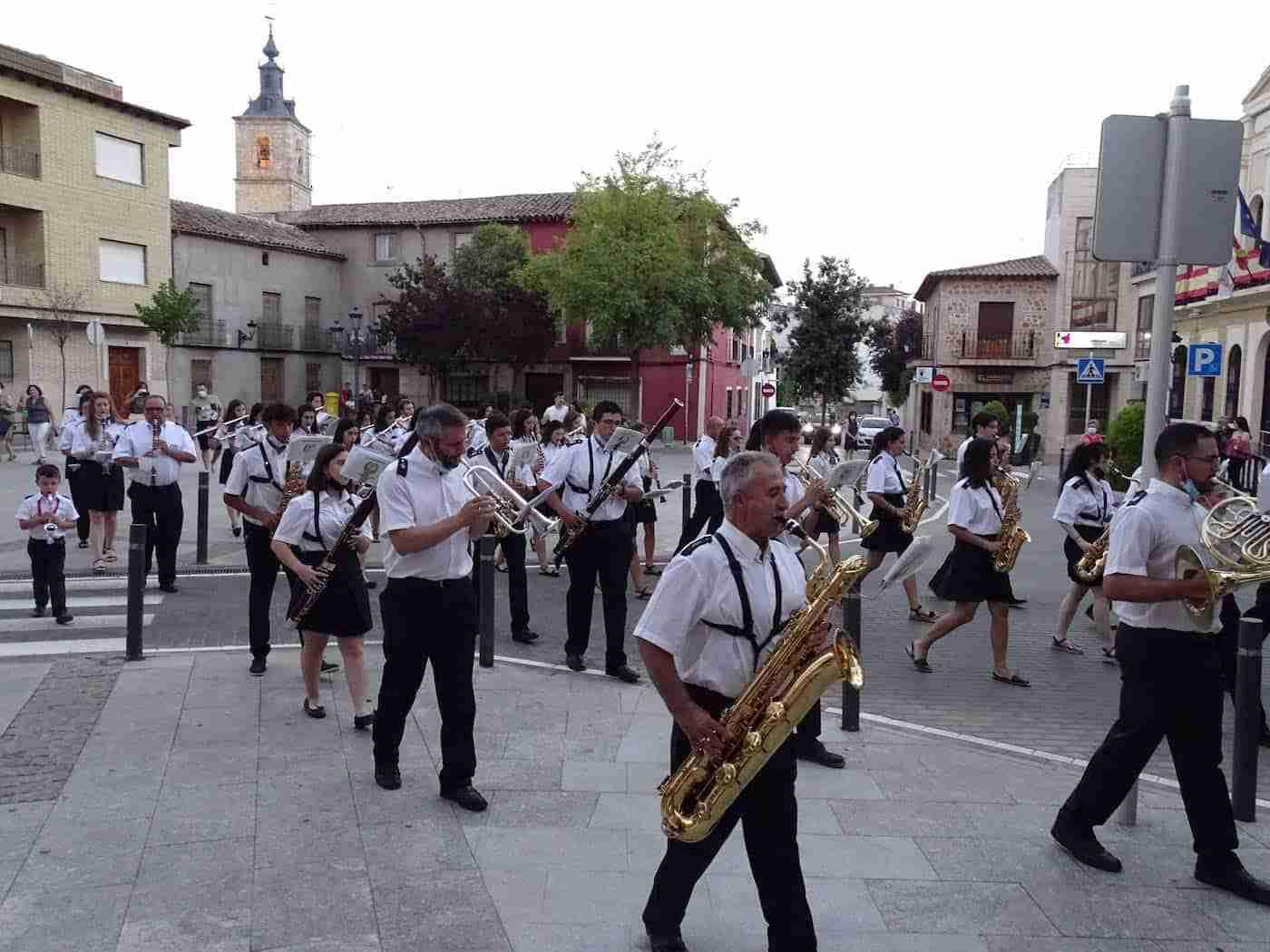 Quintanar inaugura sus fiestas patronales con un pasacalles de la Banda Sinfónica Municipal 9