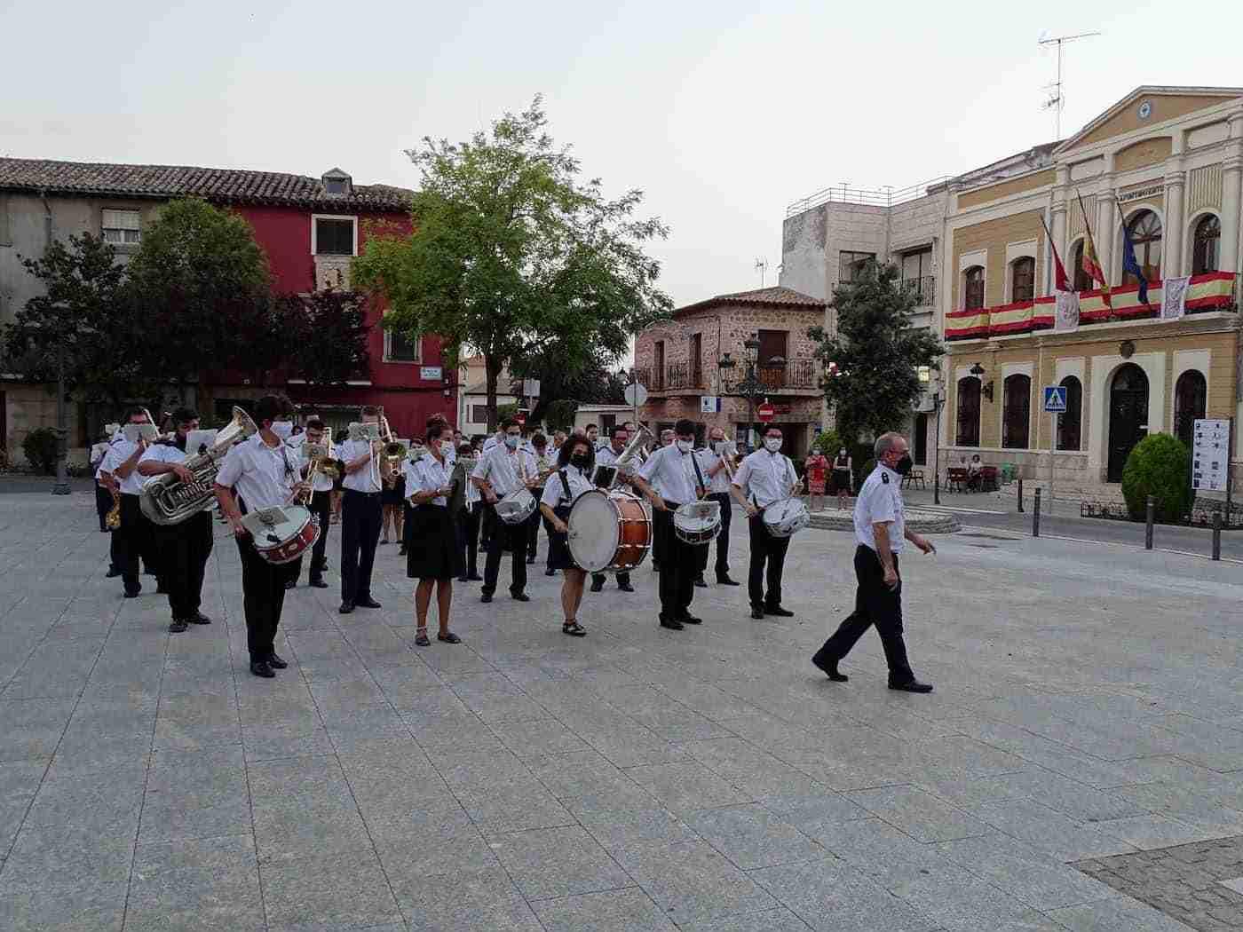 Quintanar inaugura sus fiestas patronales con un pasacalles de la Banda Sinfónica Municipal 12