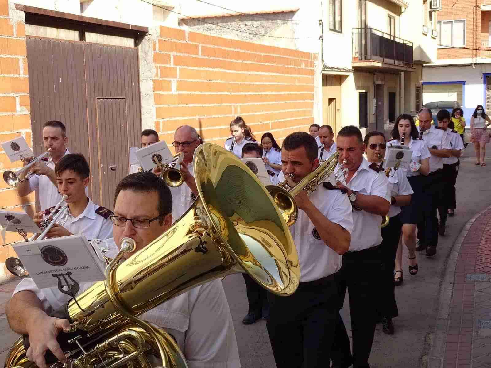 La UMQ lleva la música festiva por las calles de Quintanar de la Orden 16