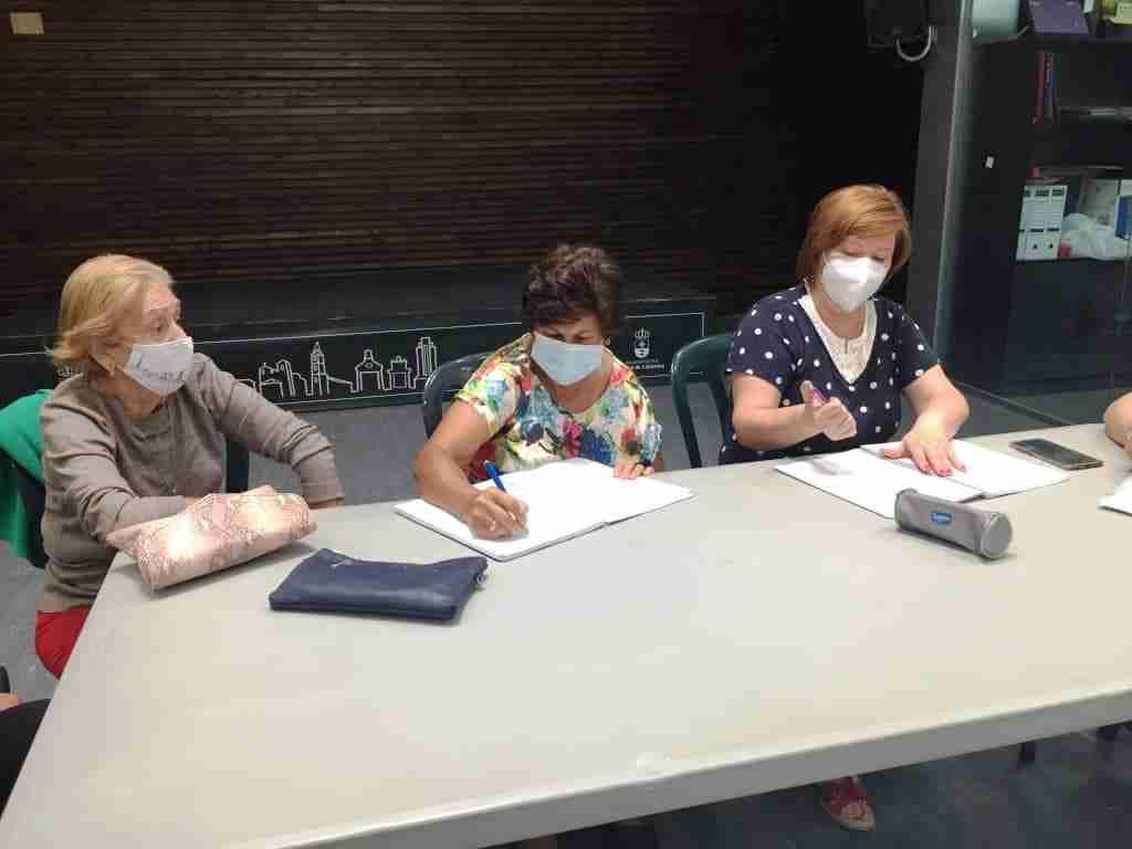 """""""Café con historias"""" actividad de memoria colectiva a cargo de la Asociación de amas de casa de Corral de Calatrava 14"""