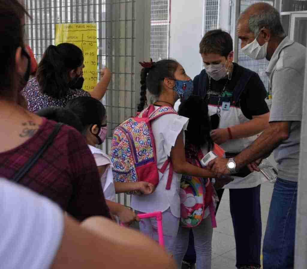 """Bellido celebró la reapertura de un colegio con seis escolares en Cobeta como una gesta """"épica y absolutamente histórica"""" 1"""