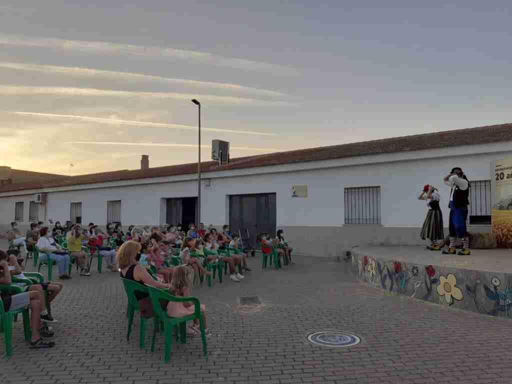 Entreparques comienza el proyecto 'Entrecuentos' para recuperar la cultura y el ocio al aire libre en los pueblos 2