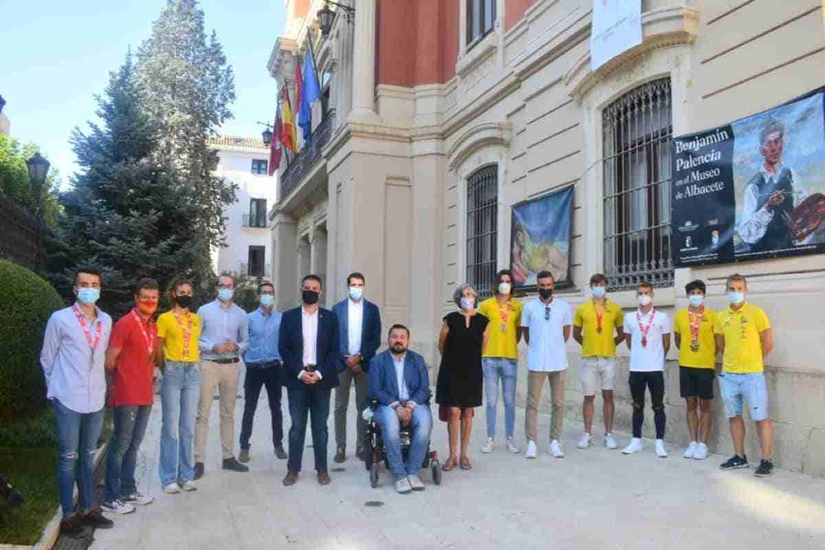 figuras triatlon visitan diputacion de albacete