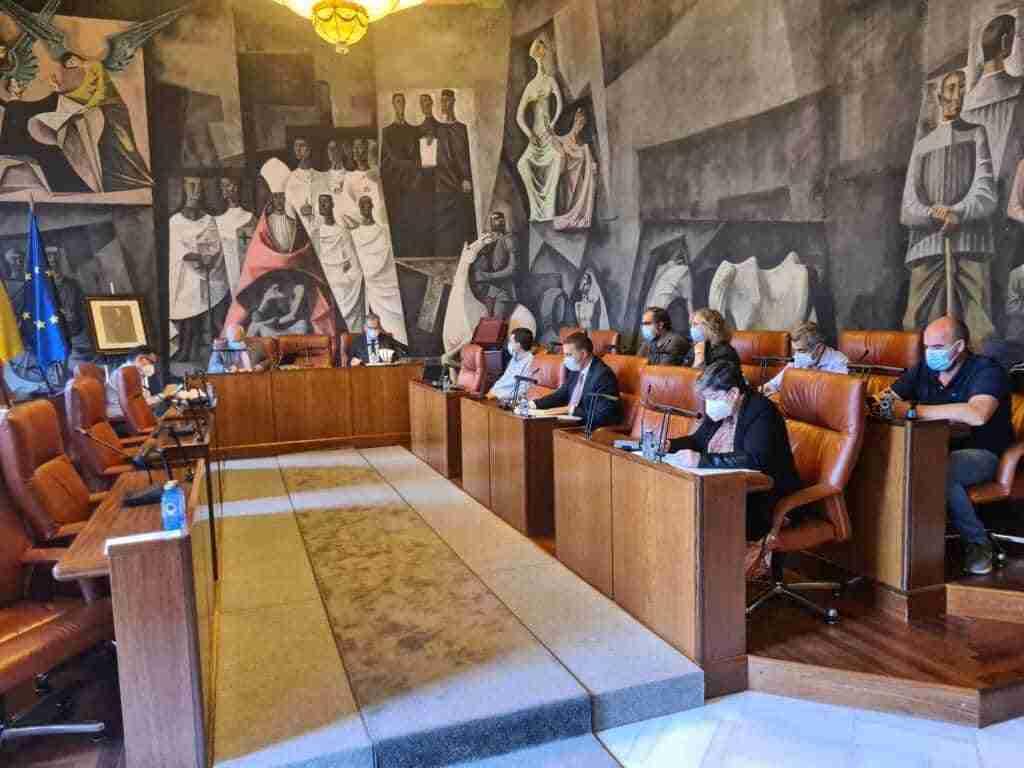 El SCIS aprobó una inversión de 5,14 millones de euros para renovación de la flota móvil de los parques de bomberos 10